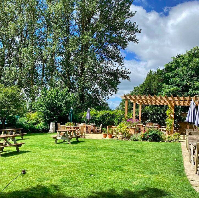 pubs with gardens in The Cotswolds